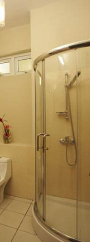 Three bedrooms Apartment Mauritius bathroom with shower